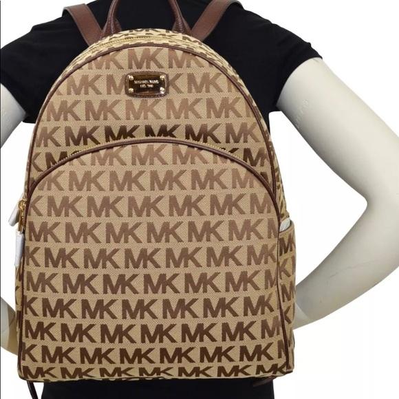 aa2c525ba947f NWT Authentic Michael Kors ABBEY Large Backpack